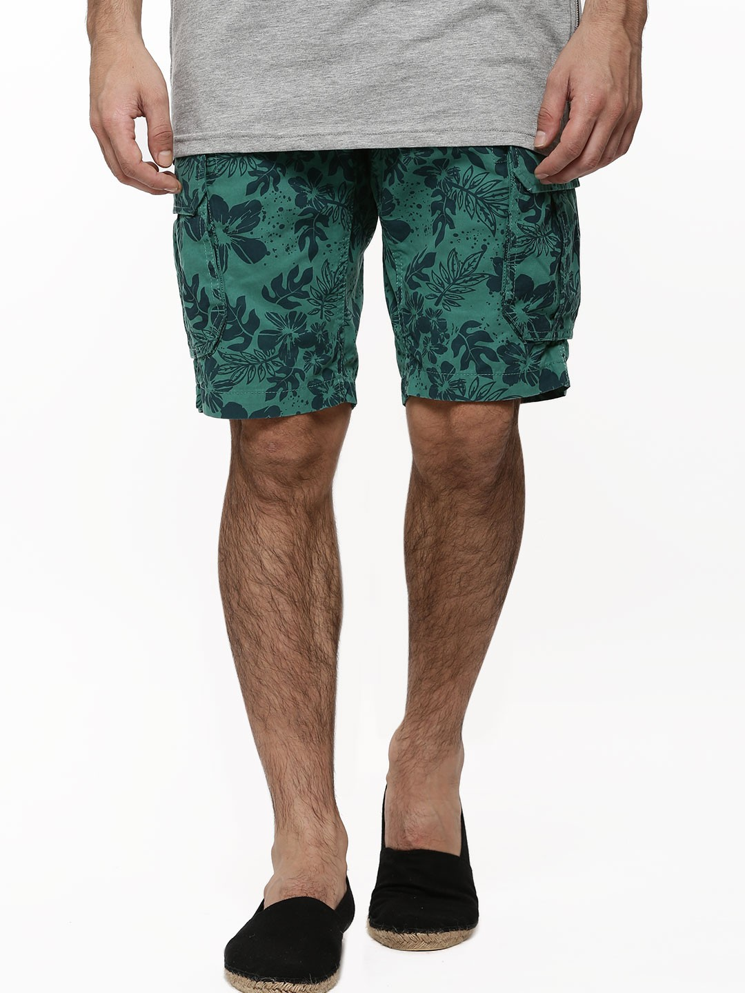 Buy FLYING MACHINE All Over Floral Print Shorts For Men - Men's ...