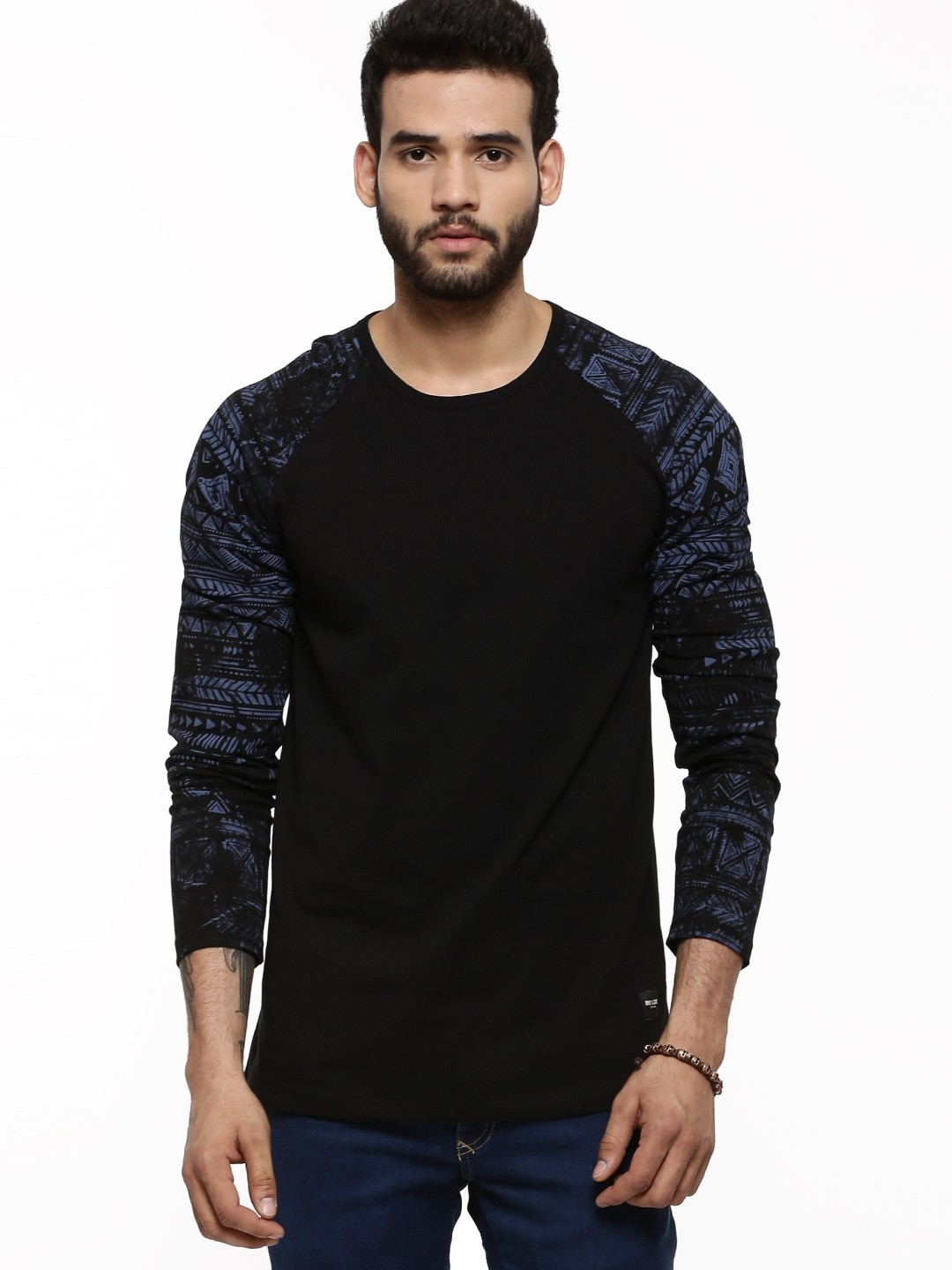 Black t shirt buy online - Only Sons T Shirt With Aztec Print Sleeves