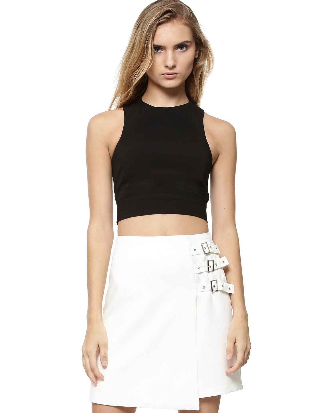With so many chic pieces coming and going, you're going to want to hurry over to claim your very own Race Ya Black Crop Top! This woven racer-front top has deep cut arm openings that rest above the cropped bodice with darted detail. The halter neck drops to a T-strap back finished with an exposed gold zipper. Fully lined.