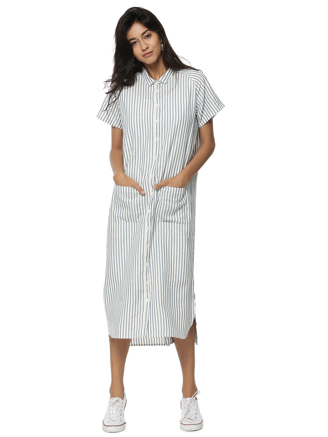 Explore Maxi Dresses at Forever 21! Find long dresses perfect for going out, weddings, and parties in floral, lace, and bodycon styles. Say yes to a white maxi dress, jump into denim overalls, or slip.