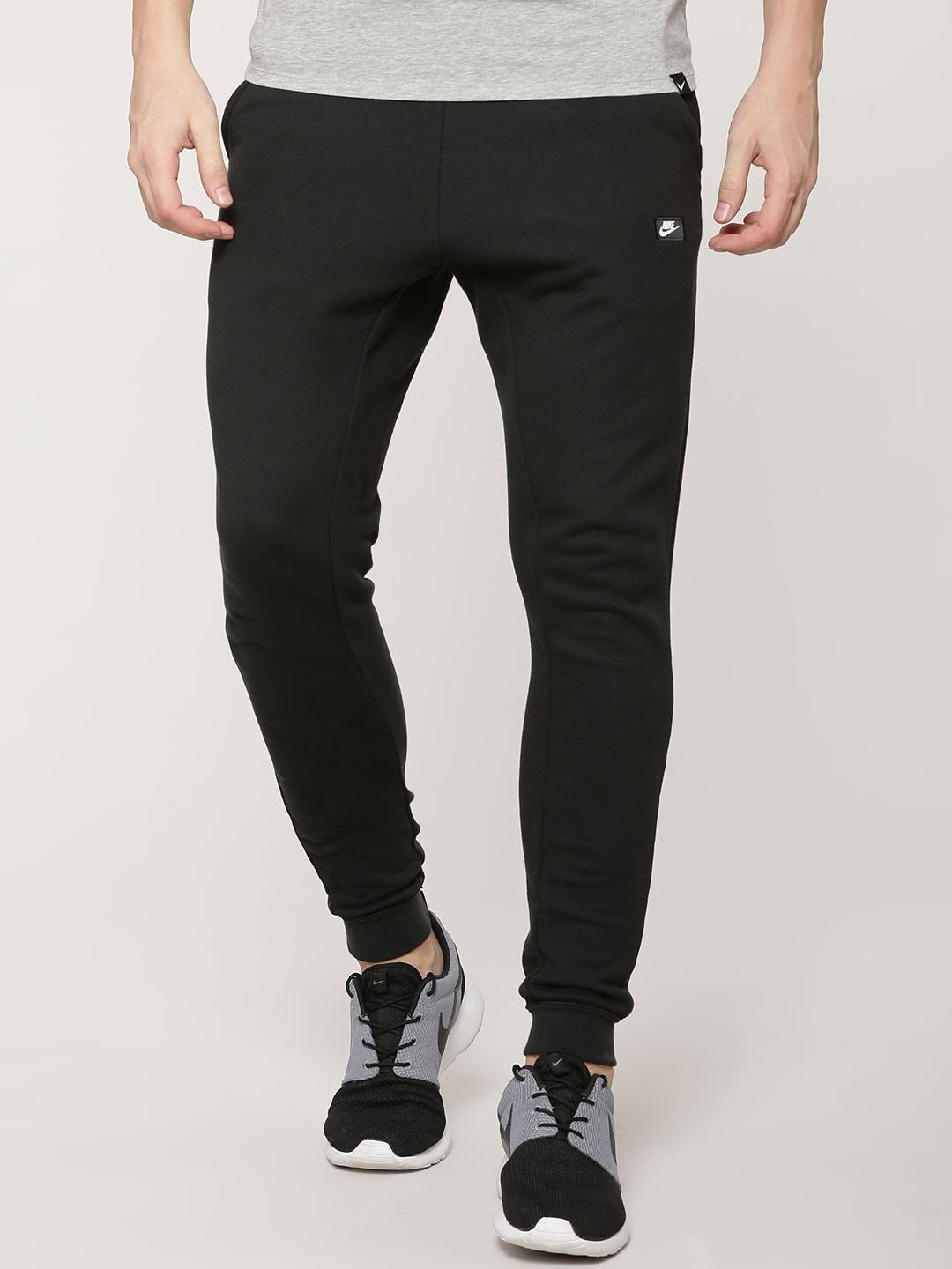 Buy jogger online in india at seebot.ga Choose from huge range of mens joggers, track pants, jogger pants collection online starting at Rs Be the trendsetter with jogger pants the perfect blend of comfort and style. Free Shipping, Easy Returns & COD options available!