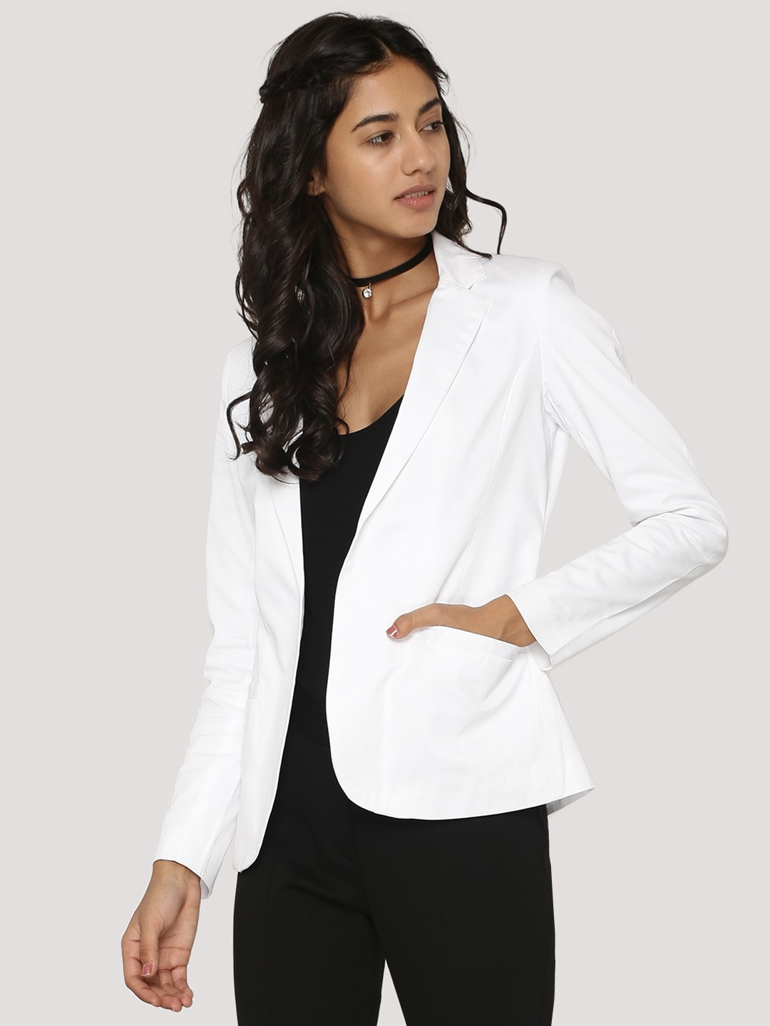 Ladies Blazers Online. No lady's wardrobe is complete without a stylish blazer, here at Konga we have multitude of different styles and designs for you at the best prices in Nigeria you might not find anywhere else.