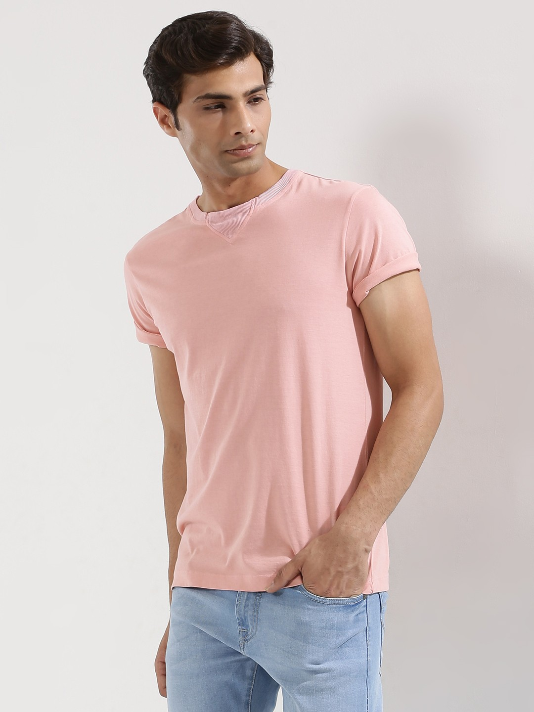 T-Shirts Online - Shop for printed T-shirts and sports T-shirts for men & women in India. Huge range of V-neck, round neck & polo T-shirts from top brands like Jack and Jones, Tommy Hilfiger, UCB and more T-shirts prices starts from INR