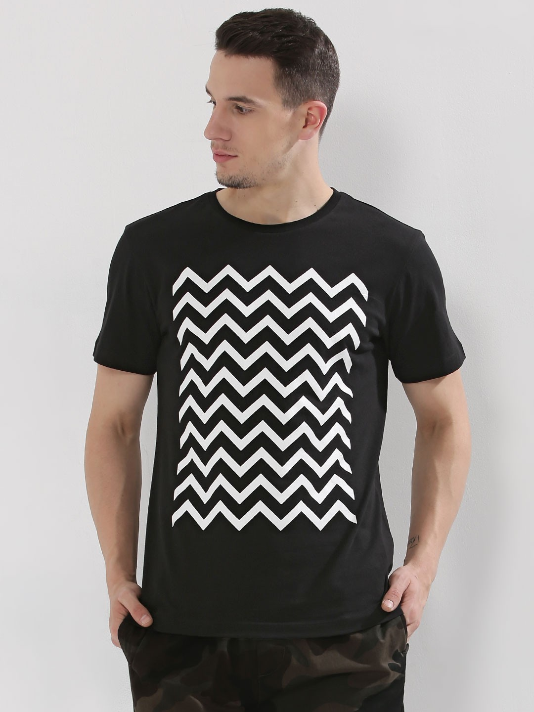 Black t shirt style - Koovs Chevron Print T Shirt In The Style Of Dan Smith