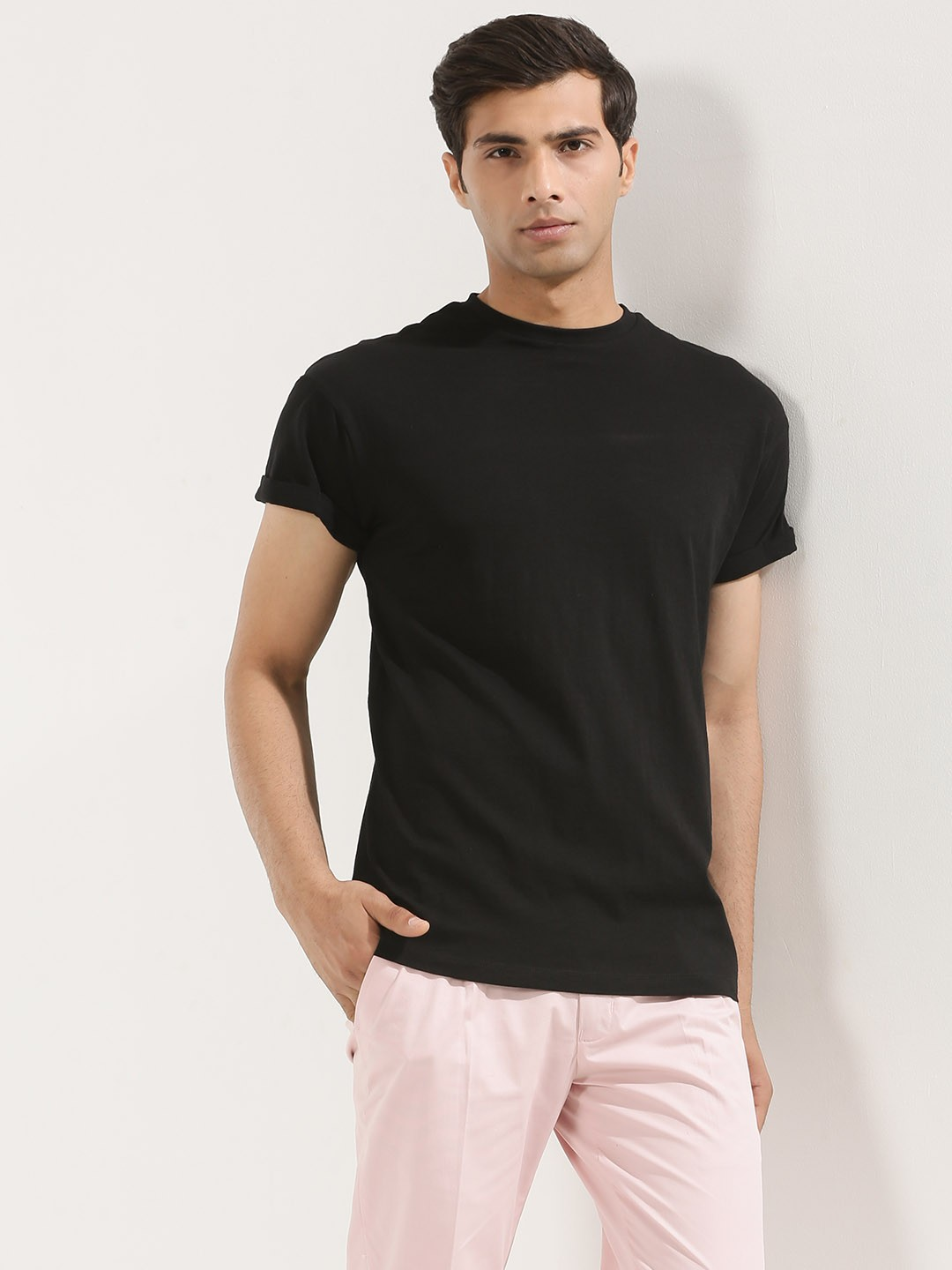 Black t shirt man - New Look High Roll T Shirt