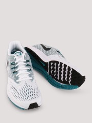 NIKE