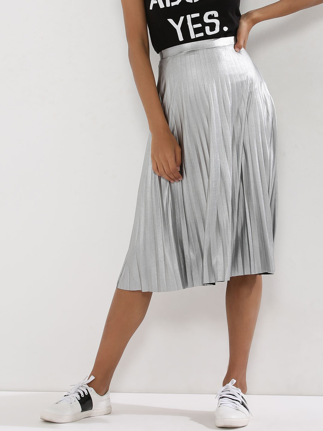 Pleated Skirts – Buy Long & Midi Pleated Skirts Online in India
