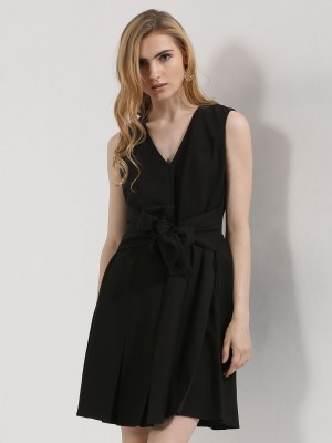 ORIGAMI LILY  Knot Front Skater Dress
