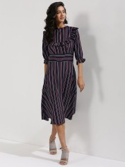 CLOSET DRAMA