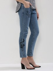 LIQUOR N POKER