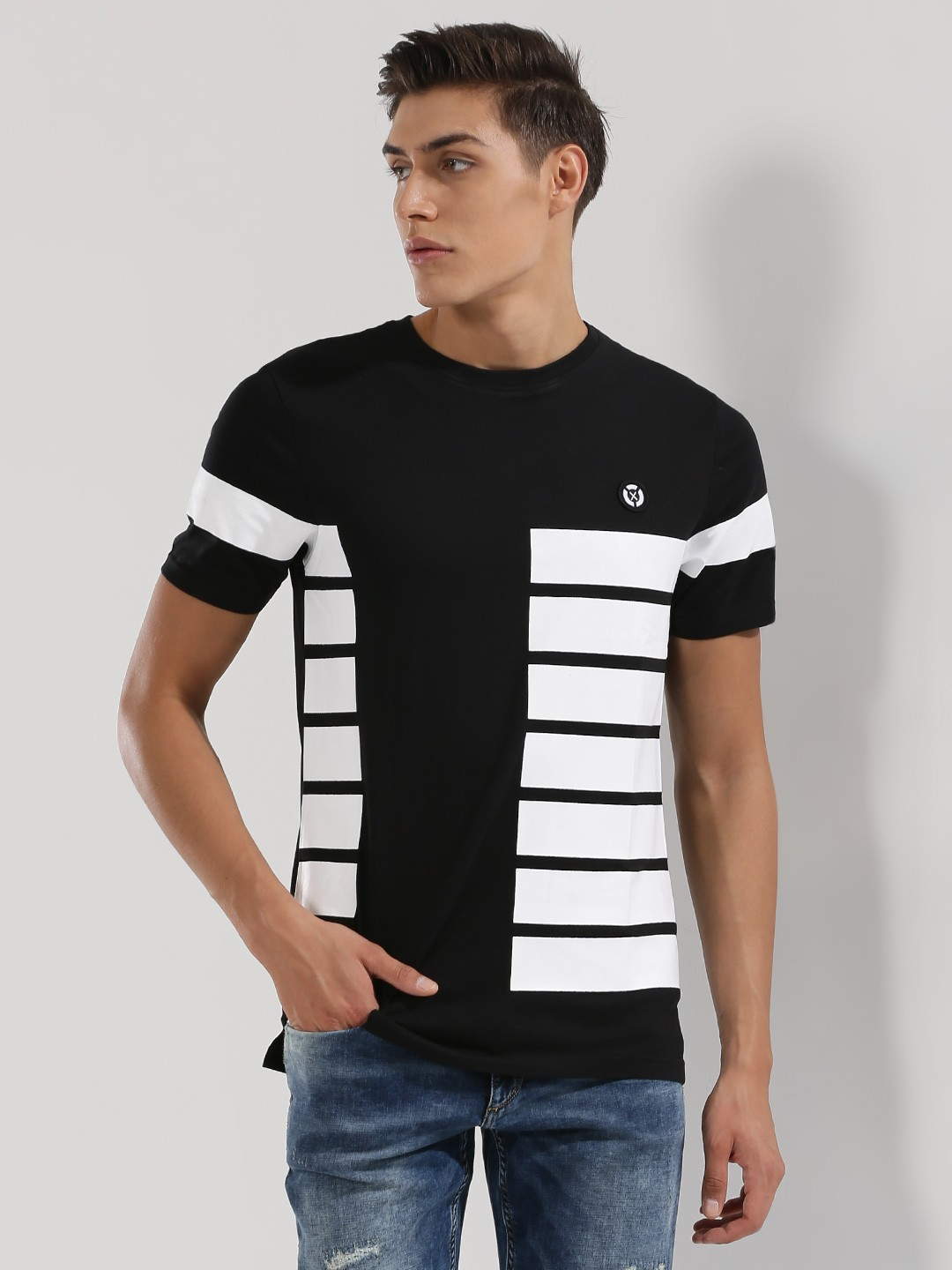 Black t shirt with white stripes - X O Y O T Shirt With Contrast Side Panel Stripes