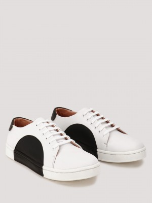 GRIFFIN  Sneakers With Contrast Panel Detailing